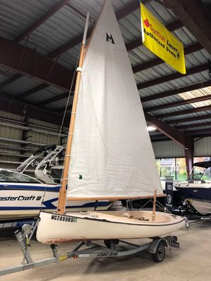 Used Menger Cat 15 Daysailer Sailboat For Sale