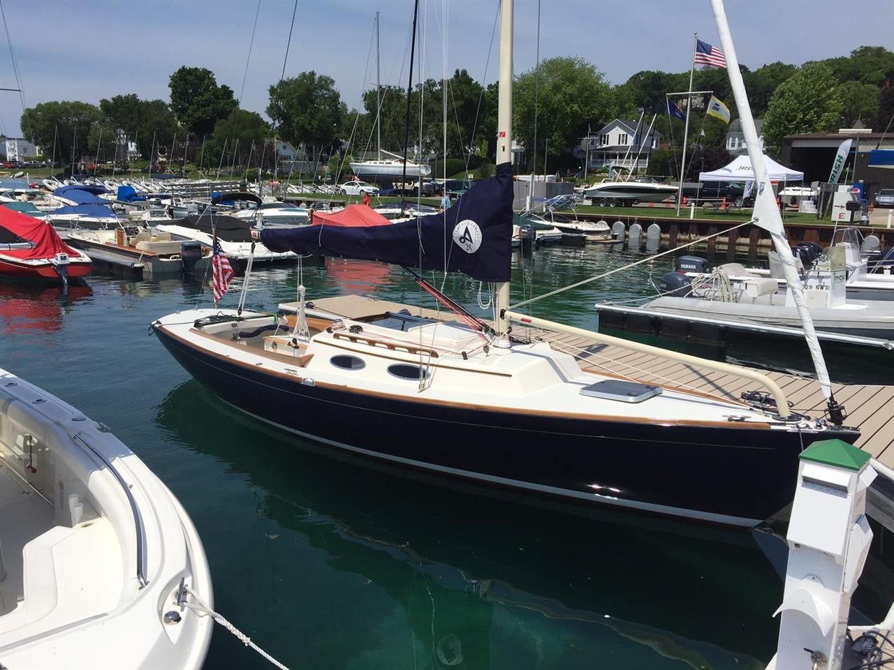 2016 Used Alerion Express 28 Daysailer Sailboat For Sale - $149,900