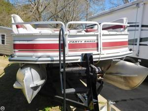 Used Tracker Party Barge 21 Pontoon Boat For Sale
