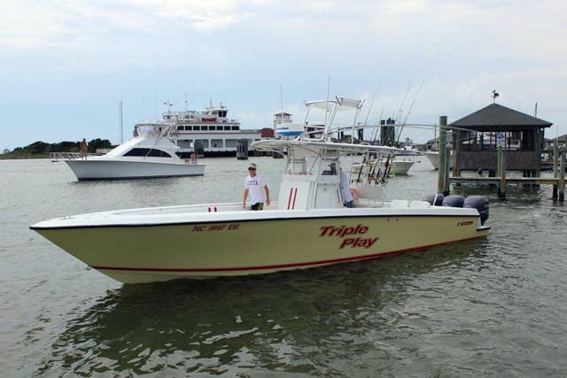 2006 used contender center console fishing boat for sale for Used fishing boats for sale in eastern nc
