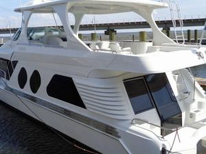 Used Bluewater Yachts 5800 Coastal Cruiser Motor Yacht For Sale