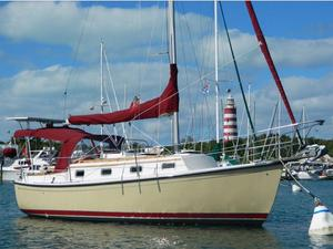 Used Com-Pac 27 Racer and Cruiser Sailboat For Sale