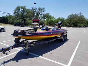 Used Bullet 21XDC Bass Boat For Sale