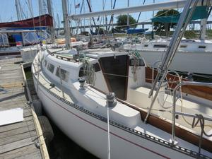 Used Ranger 33 Racer and Cruiser Sailboat For Sale