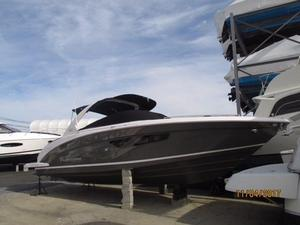 New Regal 3300 Bowrider Boat For Sale