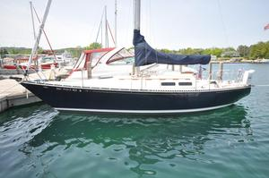 Used C&c 33 MKI Racer and Cruiser Sailboat For Sale