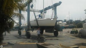Used Hunter 35 Legend Racer and Cruiser Sailboat For Sale