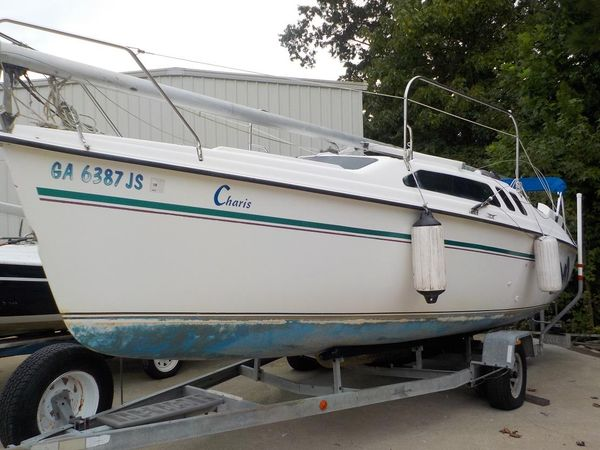 Used Hunter 235 Daysailer Sailboat For Sale