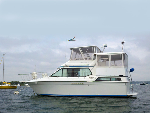 Used Chris Craft 372 MY Motor Yacht For Sale