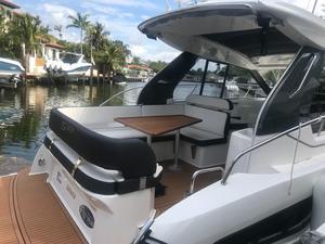 New Bavaria Sport 33 Sports Cruiser Boat For Sale
