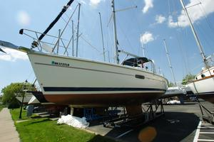 Used Hunter 420 Passage Center Cockpit Sailboat For Sale