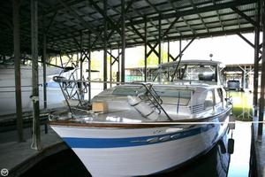 Used Chris-Craft 30 Constellation Express Cruiser Boat For Sale