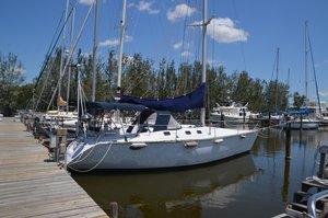 Used Hunter Legend 37.5 Cruiser Sailboat For Sale