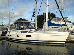 Used Hunter 420 Center Cockpit Sailboat For Sale