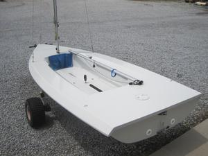 Used Vanguard 15 Daysailer Sailboat For Sale