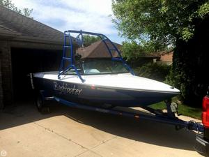 Used Sanger DX II Ski and Wakeboard Boat For Sale