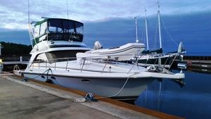 Used Trojan 12 Meter Convertible Motor Yacht For Sale