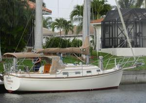 Used Island Packet 27 Cutter Cruiser Sailboat For Sale