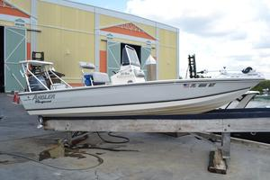 Used Angler 20 Bay Freshwater Fishing Boat For Sale