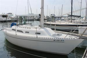 Used Freedom 28 Cruiser Sailboat For Sale