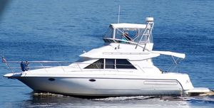 Used Cruisers Yachts 3580 Flybridge Motor Yacht For Sale