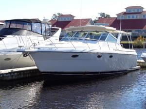 Used Tiara 3500 Express Sports Cruiser Boat For Sale