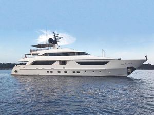 Used Sanlorenzo Sd122 Motor Yacht For Sale