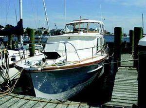 Used Matthews Aft Cabin Cruiser Boat For Sale