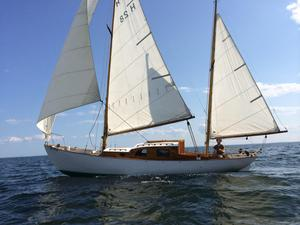 Used Herreshoff H-28 Antique and Classic Boat For Sale