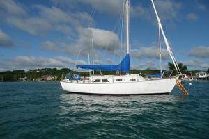 Used Chris-Craft Capri 30 Cruiser Sailboat For Sale