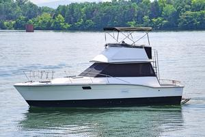 Used Trojan F-32 Cruiser Boat For Sale