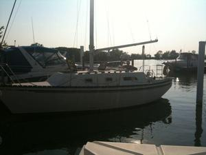 Used Hunter 30 Cruiser Sailboat For Sale