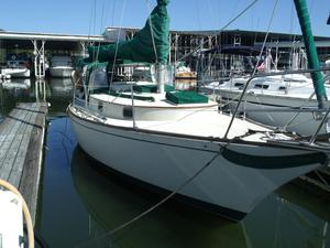 Used Ericson Indepence 32 Cruiser Sailboat For Sale