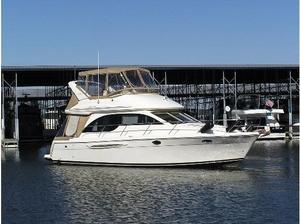 Used Meridian 381 Sedan Motor Yacht For Sale