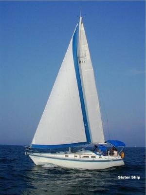 Used Hunter 34 Antique and Classic Boat For Sale