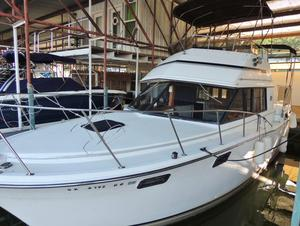 Used Carver 32 Aft Cabin Motor Yacht For Sale
