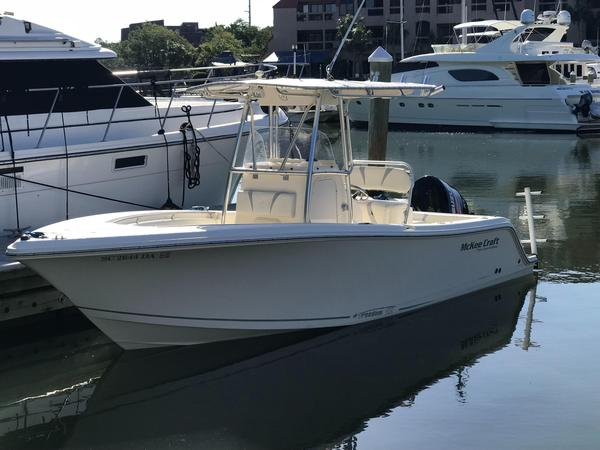 Used Mckee Craft Freedom 22 CC Center Console Fishing Boat For Sale