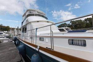 Used Eastbay 58 Flybridge Boat For Sale