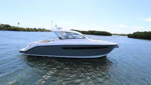 Used Pursuit SC 365I Cruiser Boat For Sale