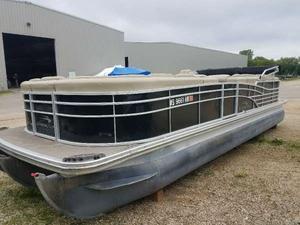Used Bennington 2550 RCL Pontoon Boat For Sale