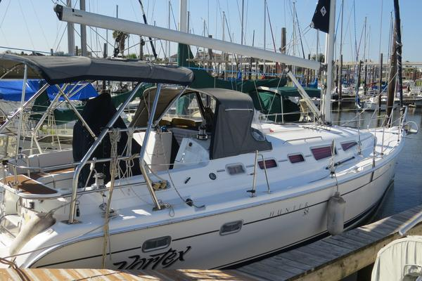 Used Hunter 38 Daysailer Sailboat For Sale