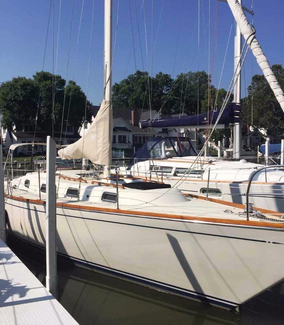 1984 Used Tartan 37 Cruiser Sailboat For Sale - $49,900