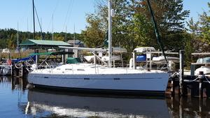 Used Beneteau America 393 Cruiser Sailboat For Sale