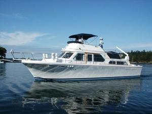 Used Canoe Cove Tri-cabin Cruiser Boat For Sale