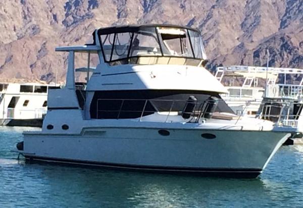 Used Carver 404 Cockpit Motor Yacht Motor Yacht For Sale