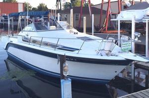 Used Carver 25 Montego Express Cruiser Boat For Sale