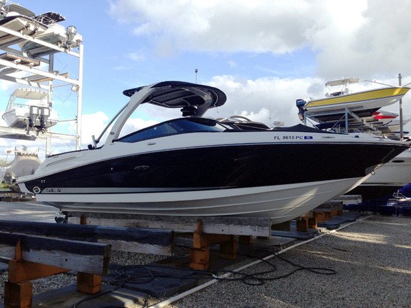 Used Sea Ray SLX Express Cruiser Express Cruiser Boat For Sale