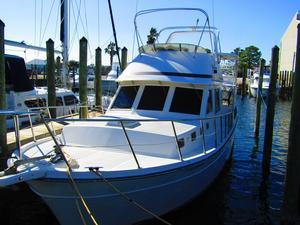 Used Hartman 38 Sundeck Motor Yacht For Sale