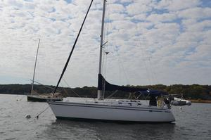 Used Hunter 33.5 Cruiser Sailboat For Sale