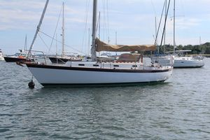 Used Vineyard Vixen 34 Cruiser Sailboat For Sale